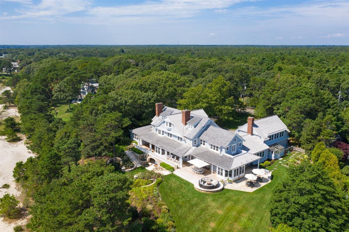 Luxury real estate Meticulously crafted waterfront estate
