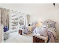 Luxury homes in large unit in The residences at the Mandarin