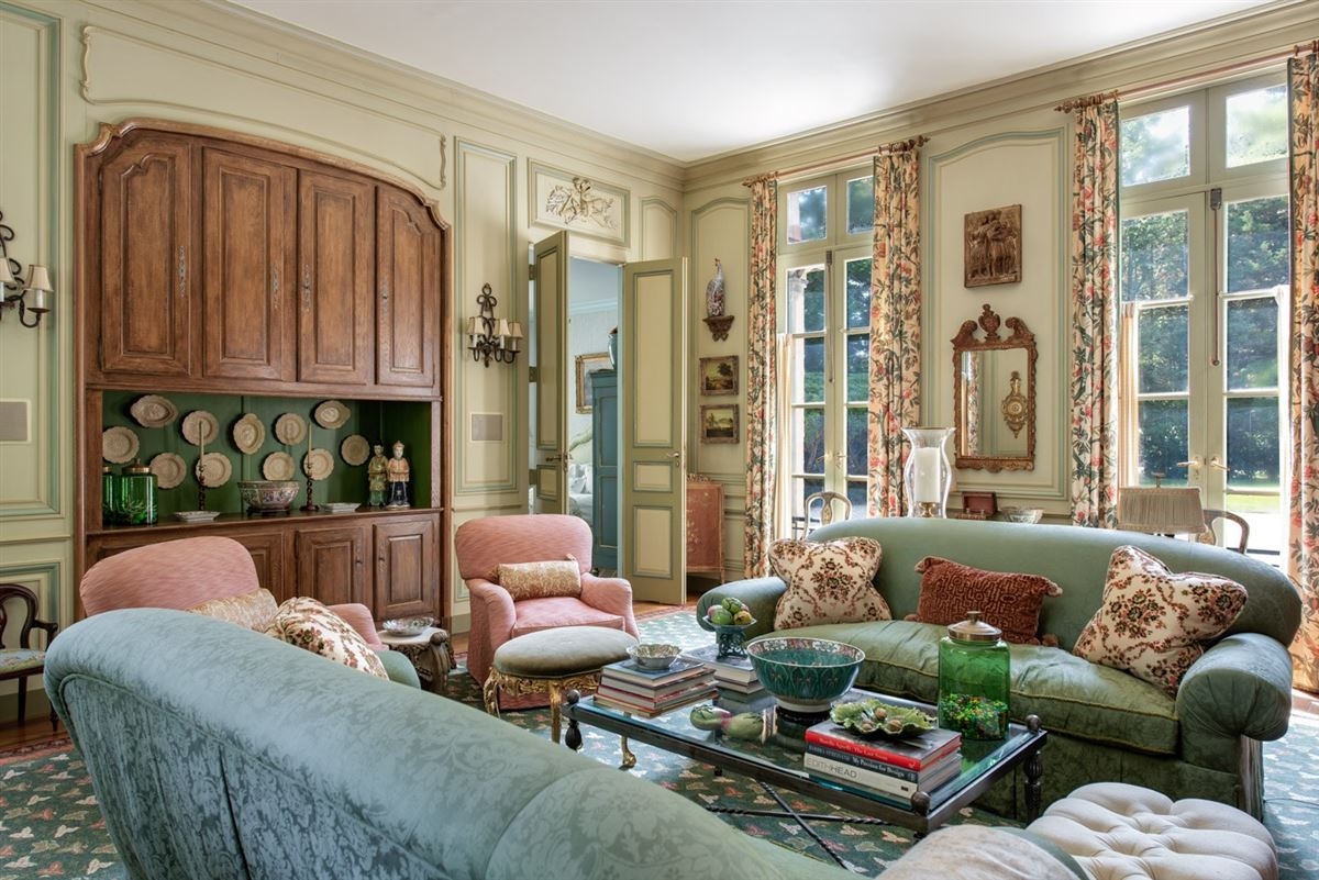 Elegant and richly designed estate  luxury homes