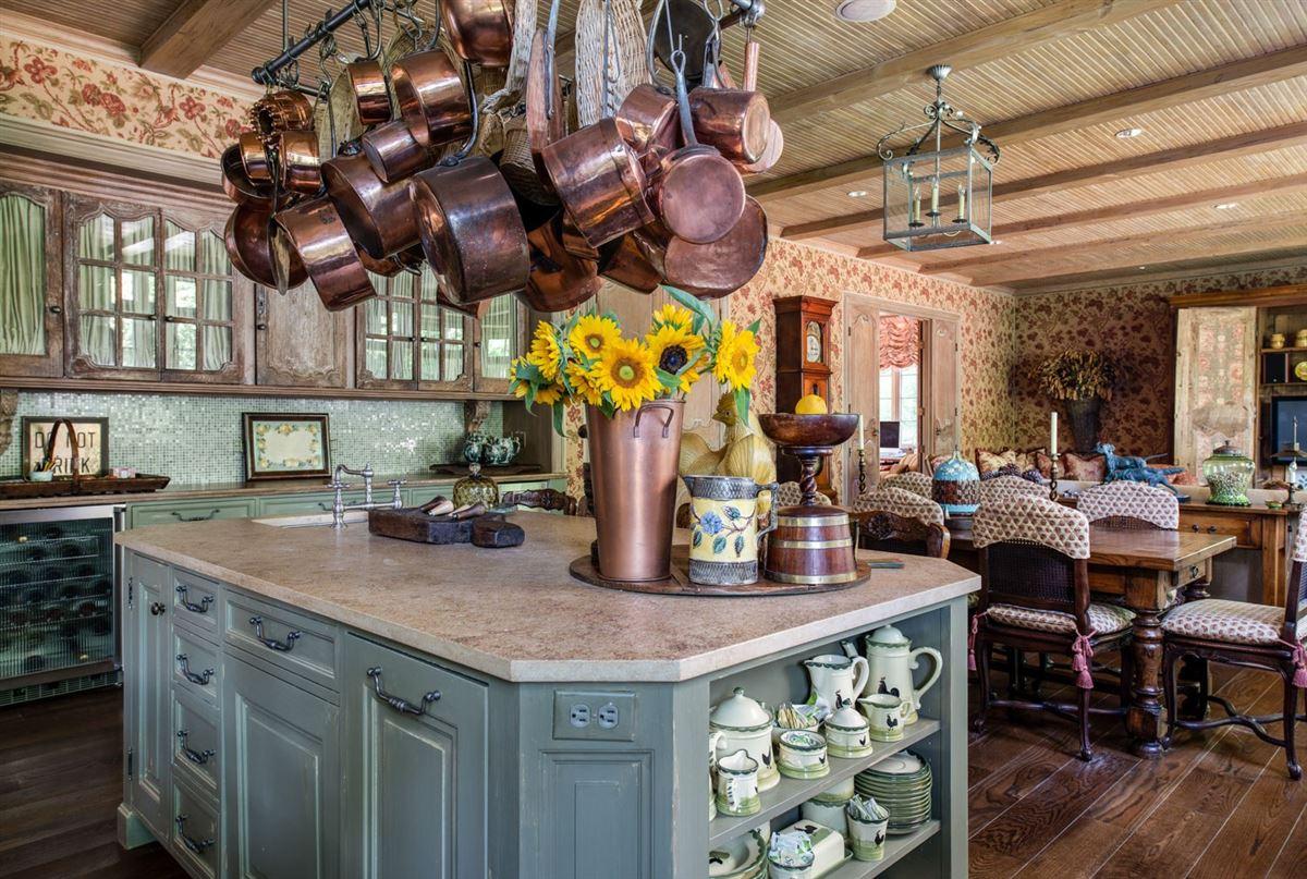 Luxury properties Elegant and richly designed estate