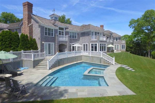 Mansions in Exceptional waterfront estate in oyster harbors