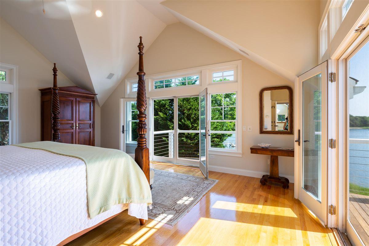 Mansions in classic coastal elegance