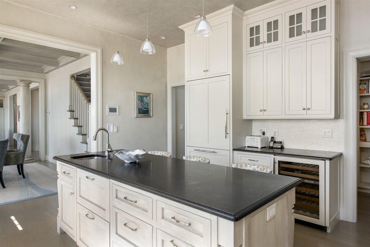 stunning custom On great island mansions