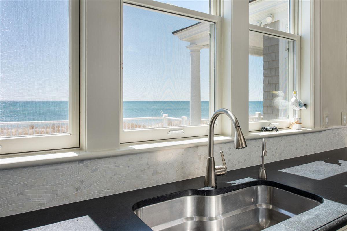 Luxury homes in stunning custom On great island