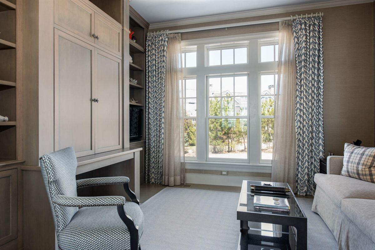 Mansions in stunning custom On great island