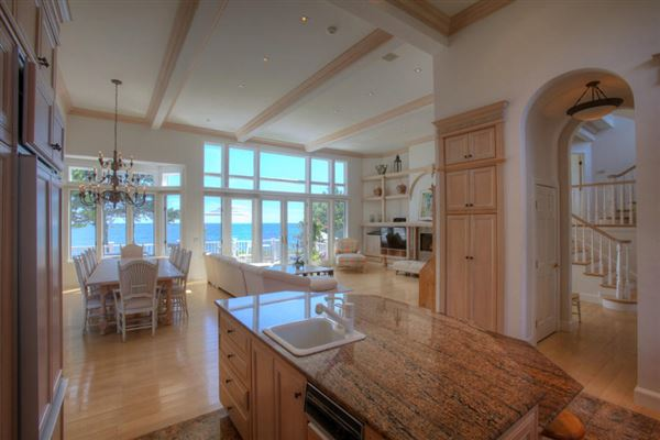 elegant beachfront property luxury properties