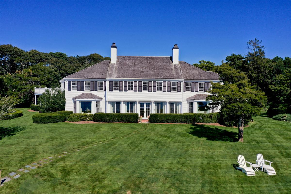 Luxury real estate Faraway in oyster harbors