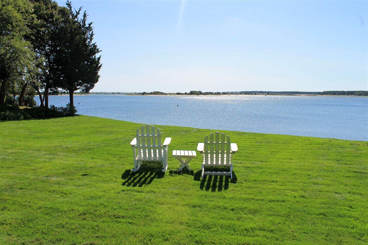 Luxury properties Faraway in oyster harbors