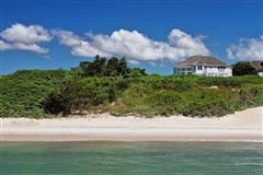 Luxury properties An oceanfront gem with sweeping views