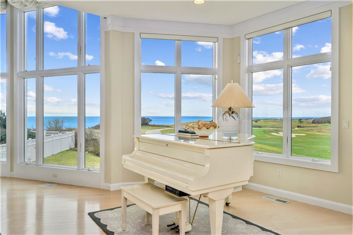 Mansions An oceanfront gem with sweeping views