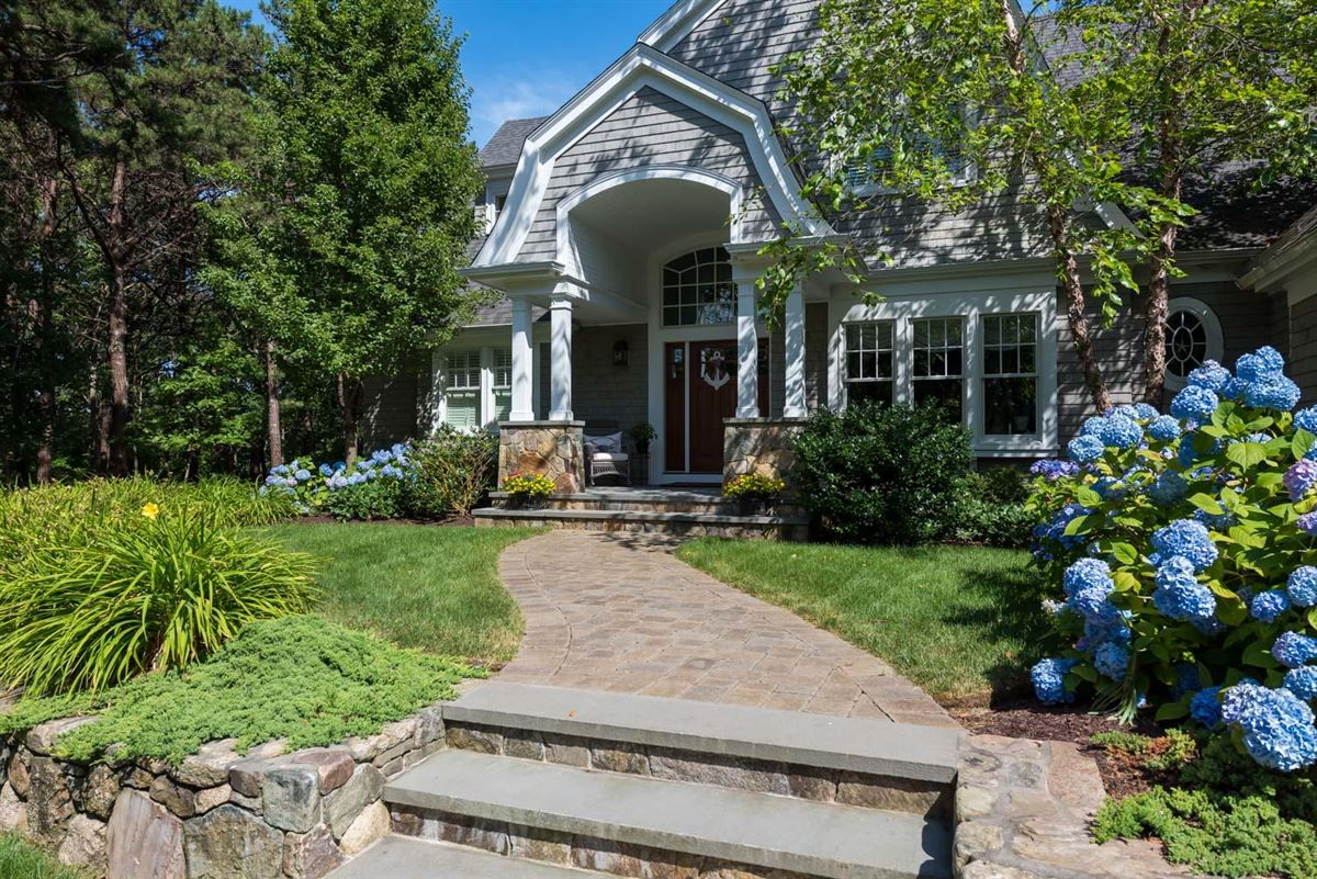 Luxury homes Masterfully planned waterfront estate in mashpee