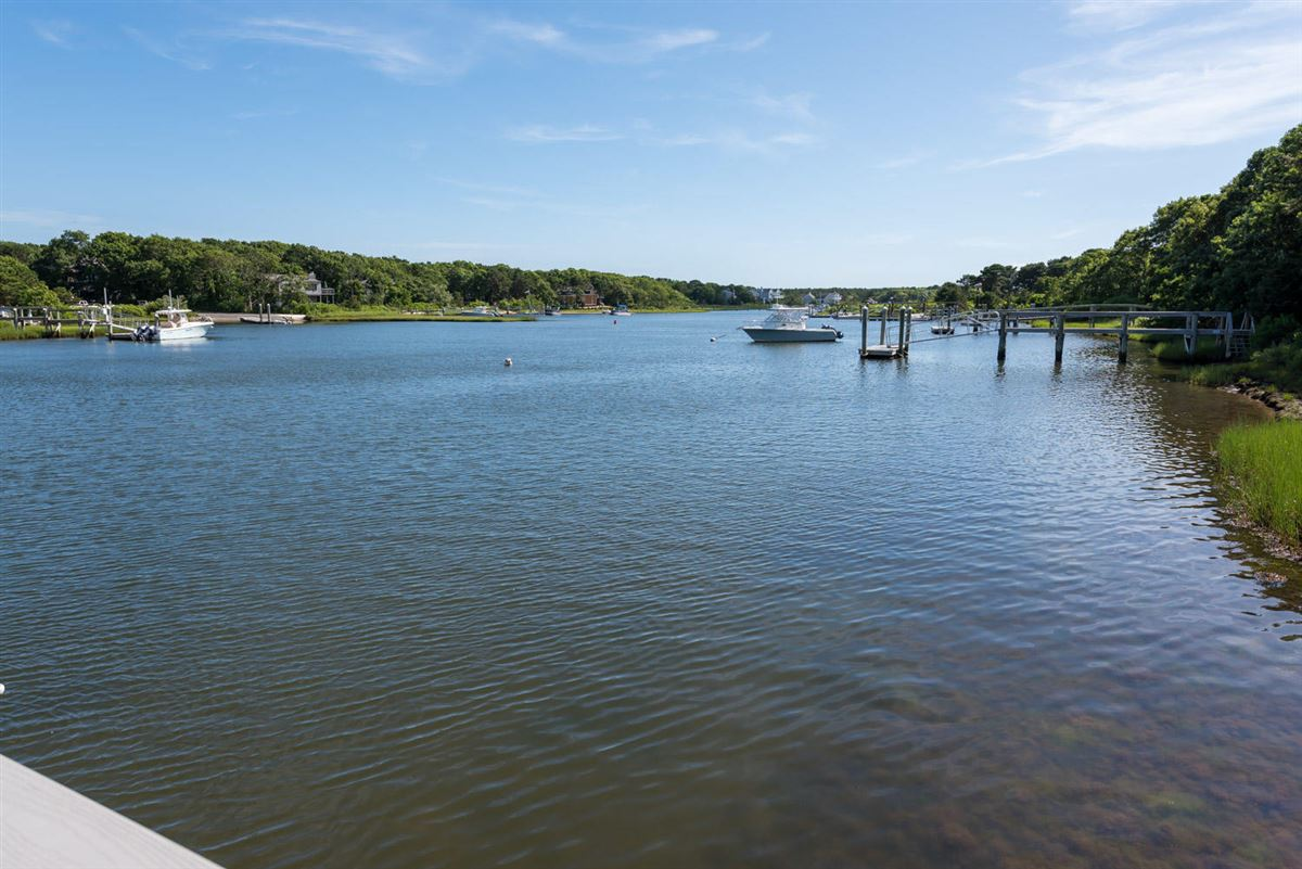 Mansions in Masterfully planned waterfront estate in mashpee