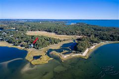 Mansions in Well maintained waterfront  property