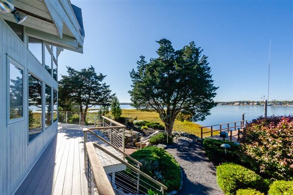 Well maintained waterfront  property luxury properties