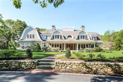 Mansions GORGEOUS Shingle-style gem in sandwich