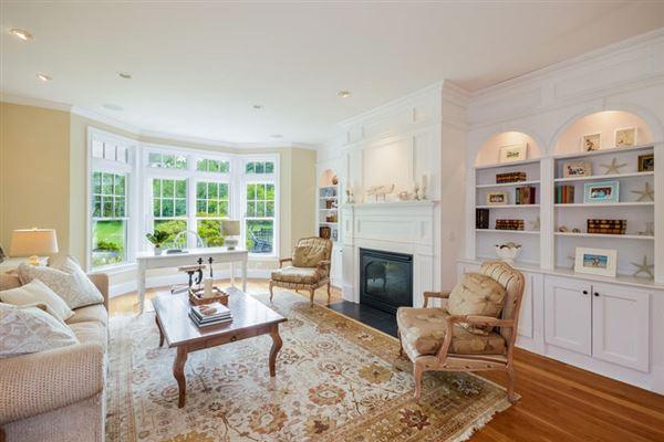 GORGEOUS Shingle-style gem in sandwich luxury homes