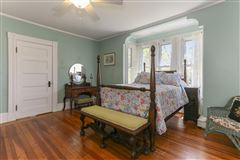 Luxury properties grand Victorian in Marion Village