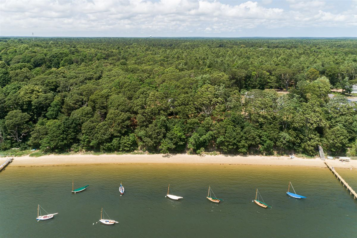 Luxury real estate Extraordinary and expansive waterfront parcel