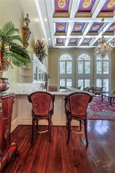 Mansions magnificent home on two acres