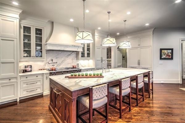 beautifully renovated Buckhead transitional home mansions