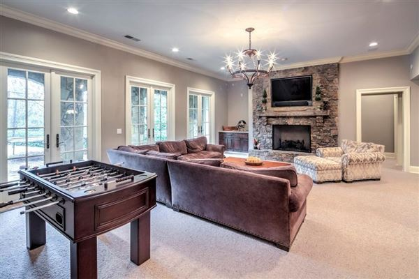 beautifully renovated Buckhead transitional home luxury real estate