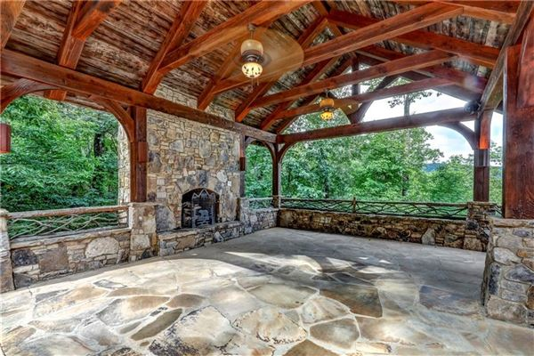 Custom log and timber frame mountain home luxury homes