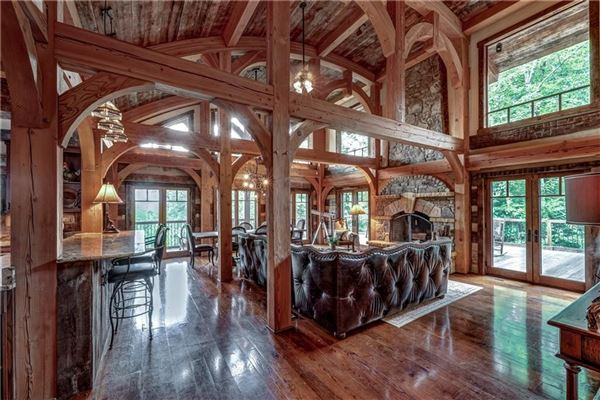 Mansions Custom log and timber frame mountain home