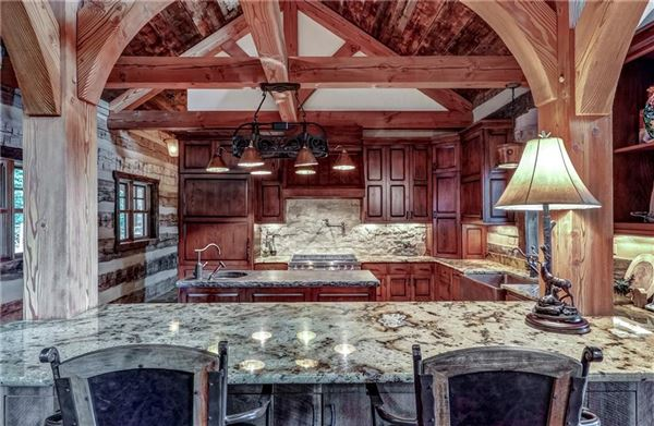 Mansions in Custom log and timber frame mountain home