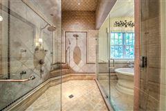 Luxury real estate Regency-style estate in atlanta