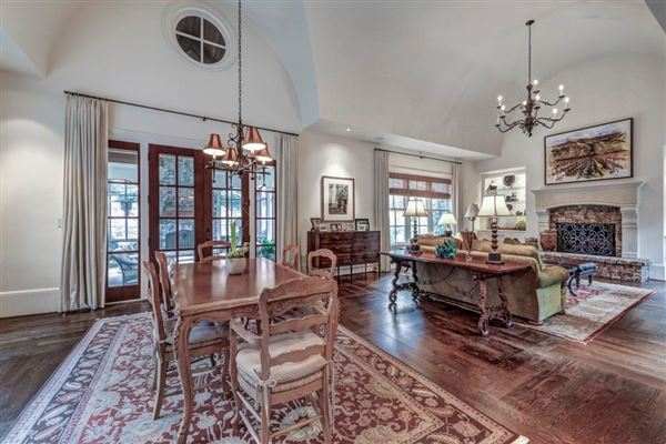 Incredible family home in the ideal location mansions