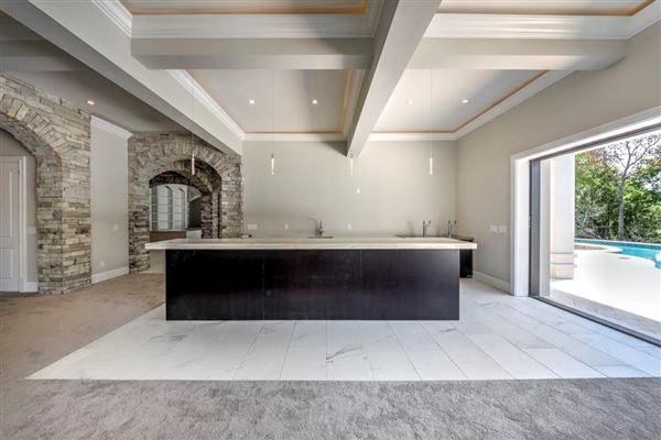 Mansions in this superb residence exemplifies luxury living