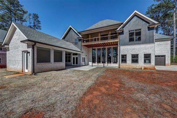 Luxury properties Contemporary gem in the heart of Stone Mountain