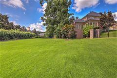 Rare cul-de-sac home luxury real estate