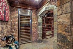 Luxury properties Rare cul-de-sac home