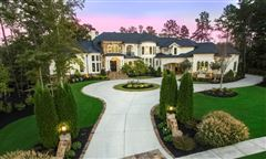 Mansions in Golf course views in alpharetta