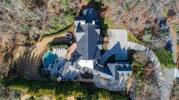 Mansions Gorgeous estate on 2.8 acres