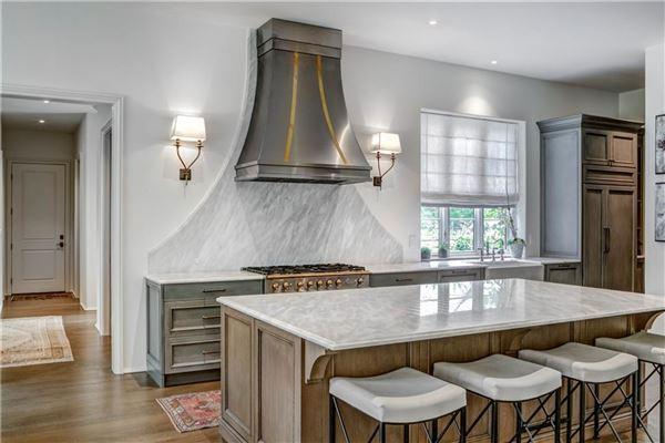 A beautiful gem in Georgia awaits  mansions