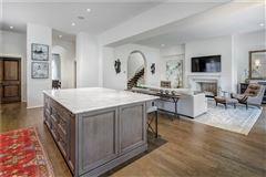 A beautiful gem in Georgia awaits  luxury homes