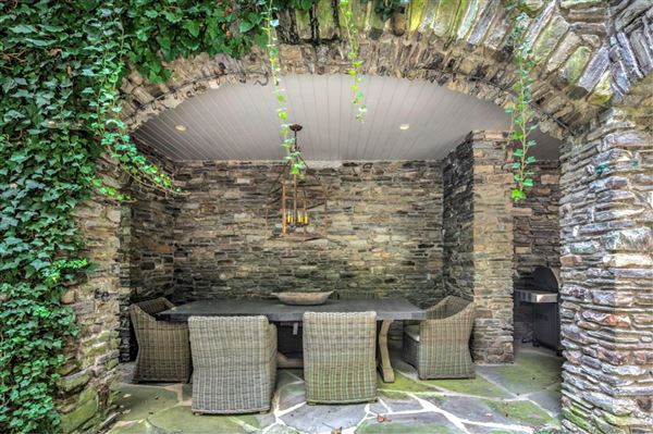 Luxury properties Tuxedo Park at its finest