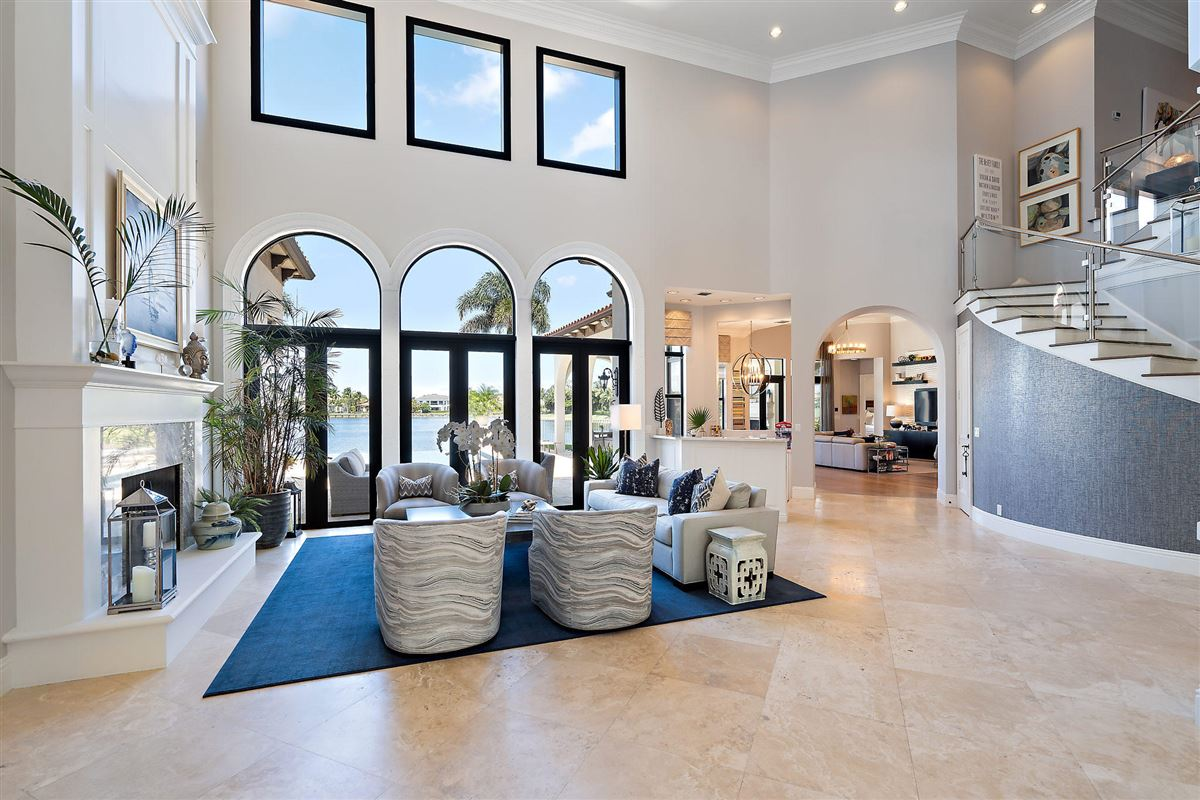 Mansions recently renovated lakefront home