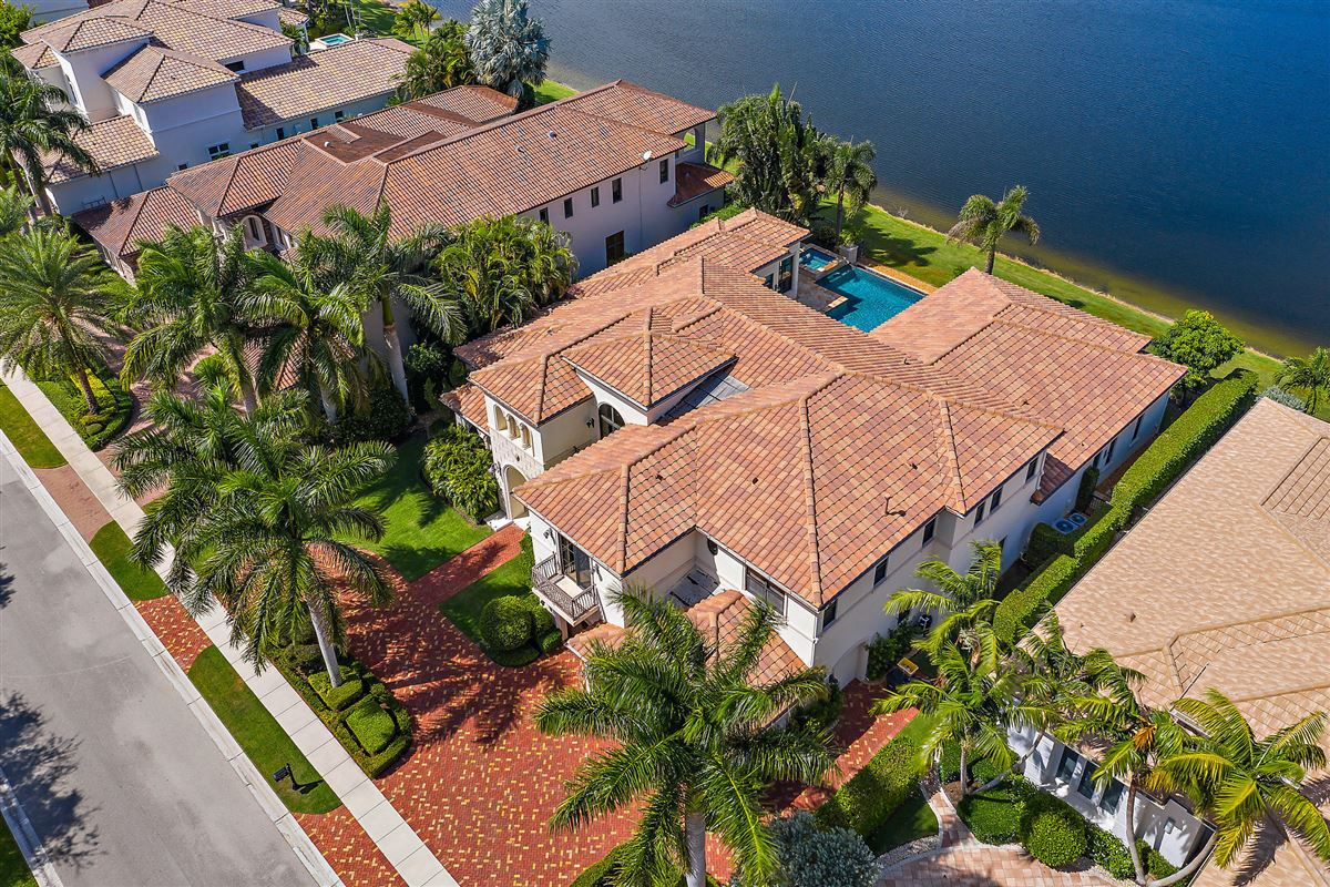 Luxury real estate recently renovated lakefront home