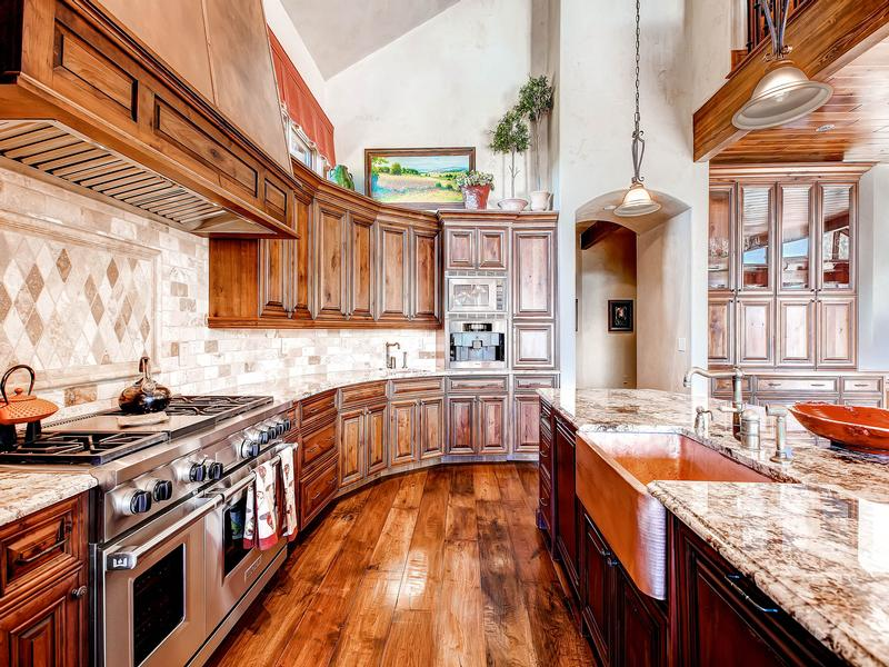 Mansions in Impeccable Craftsmanship on 28 Private Acres