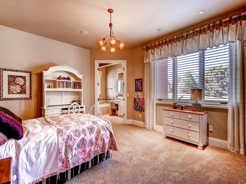 Luxury homes Impeccable Craftsmanship on 28 Private Acres