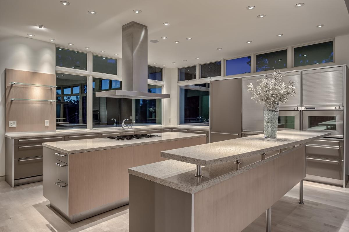 Luxury homes Contemporary Smart Home with Commanding Views
