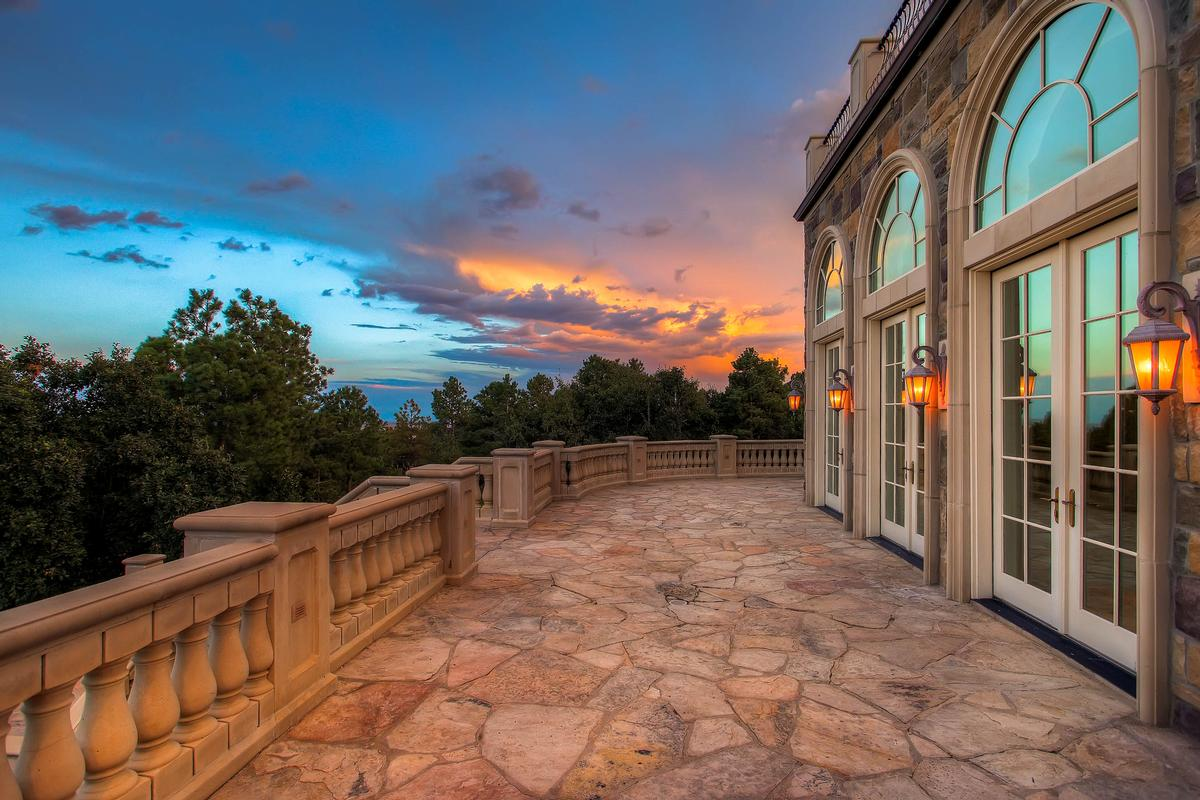 Mansions in Incomparable Colorado Estate
