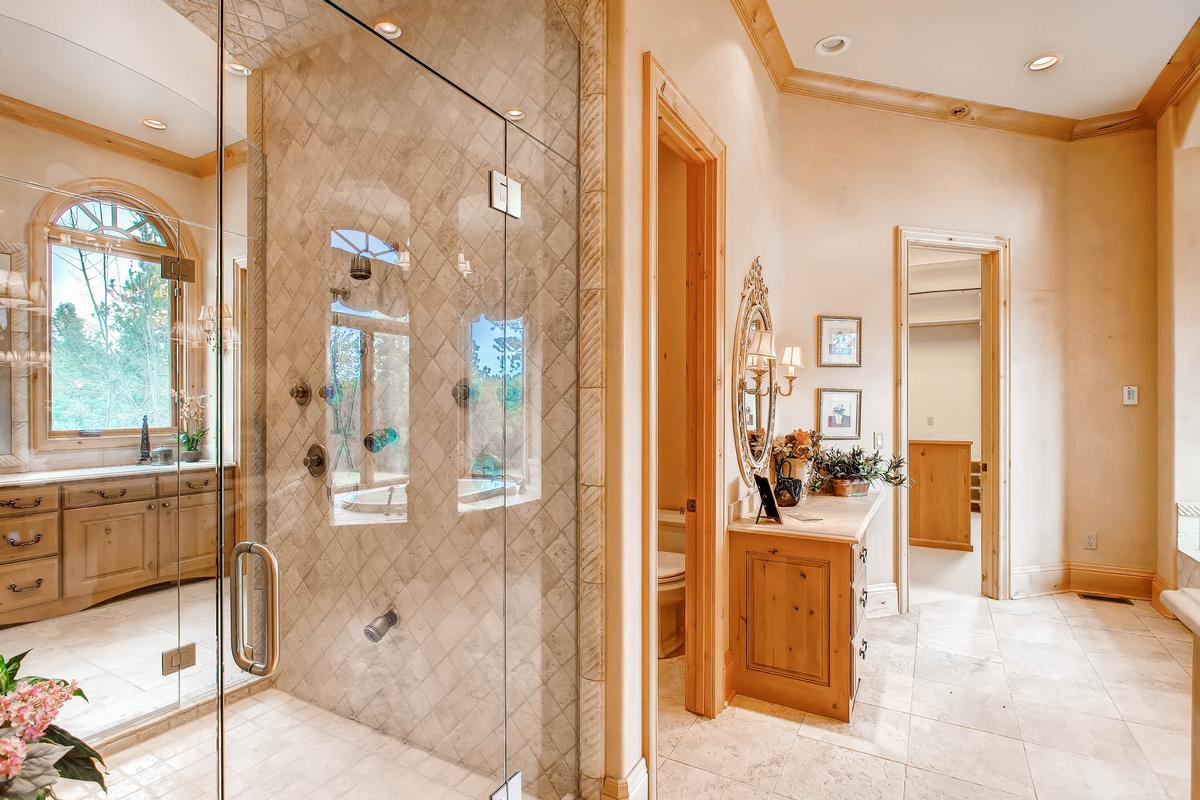 Privacy and Natural Beauty luxury real estate