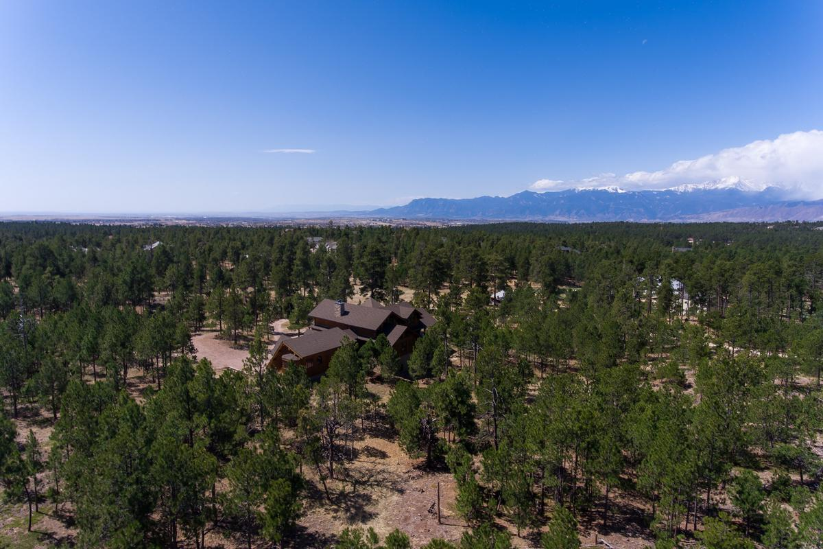 Luxury properties Elegant Log Design on 10-plus Acres
