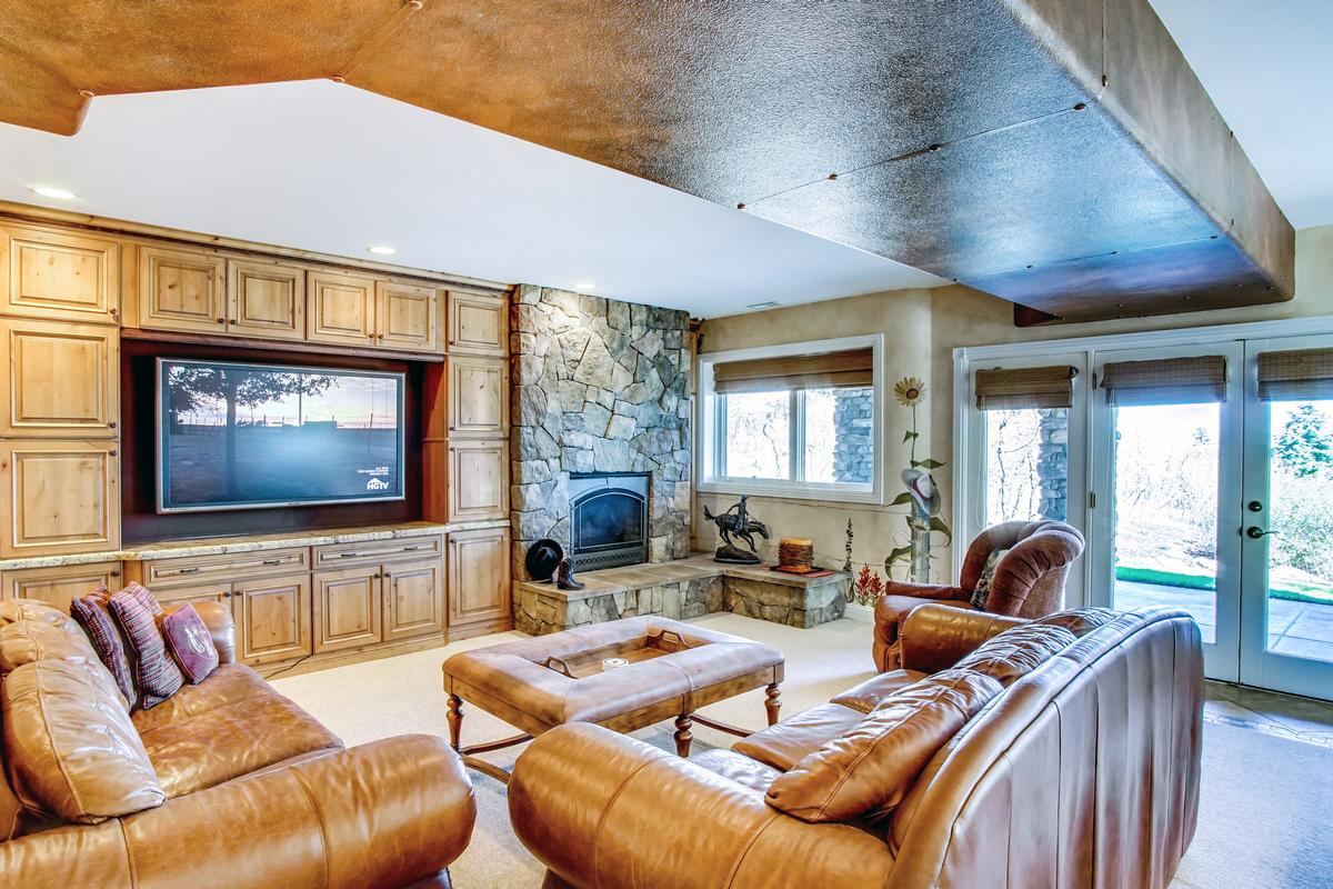 Broadmoor Resort Perfection luxury homes