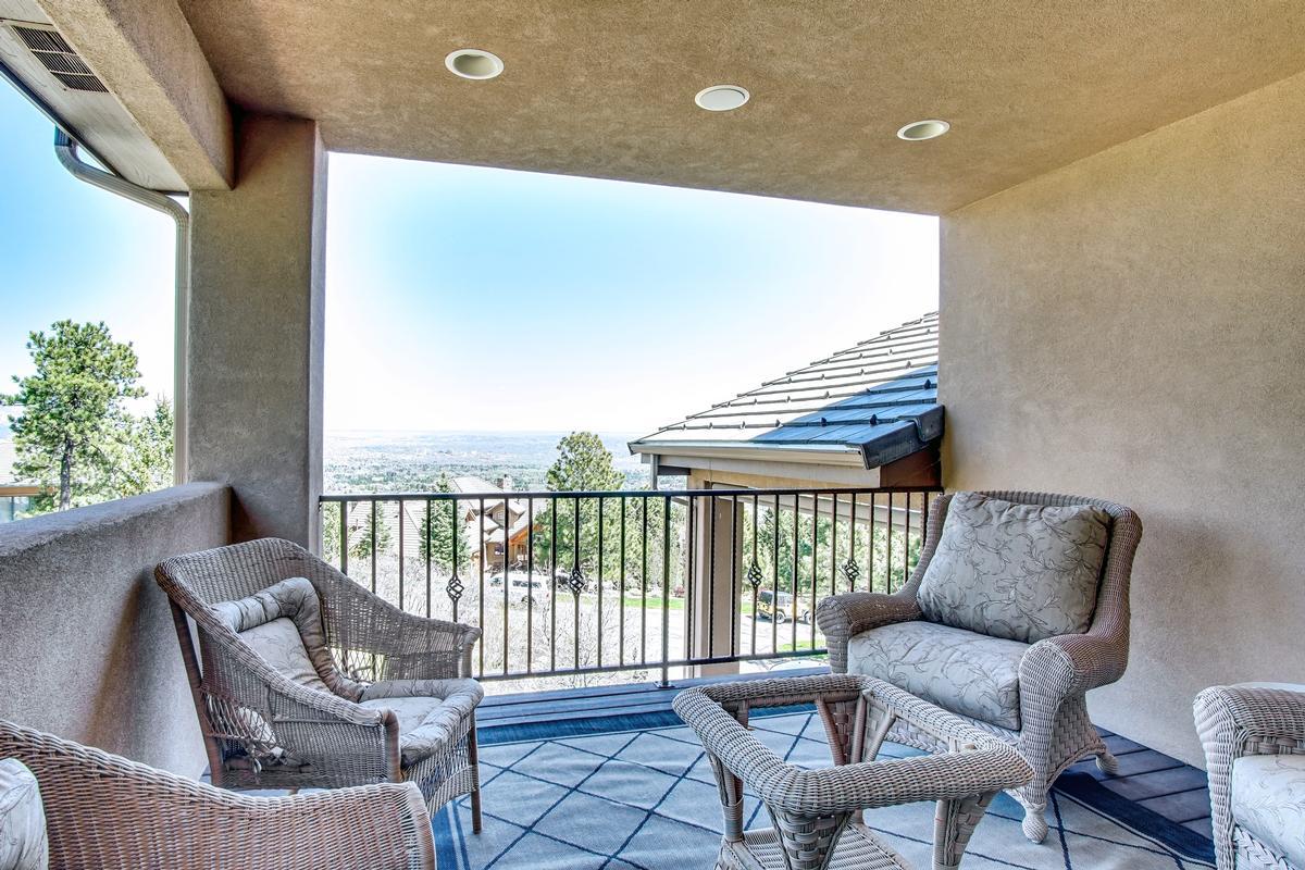 Mansions in Broadmoor Resort Perfection