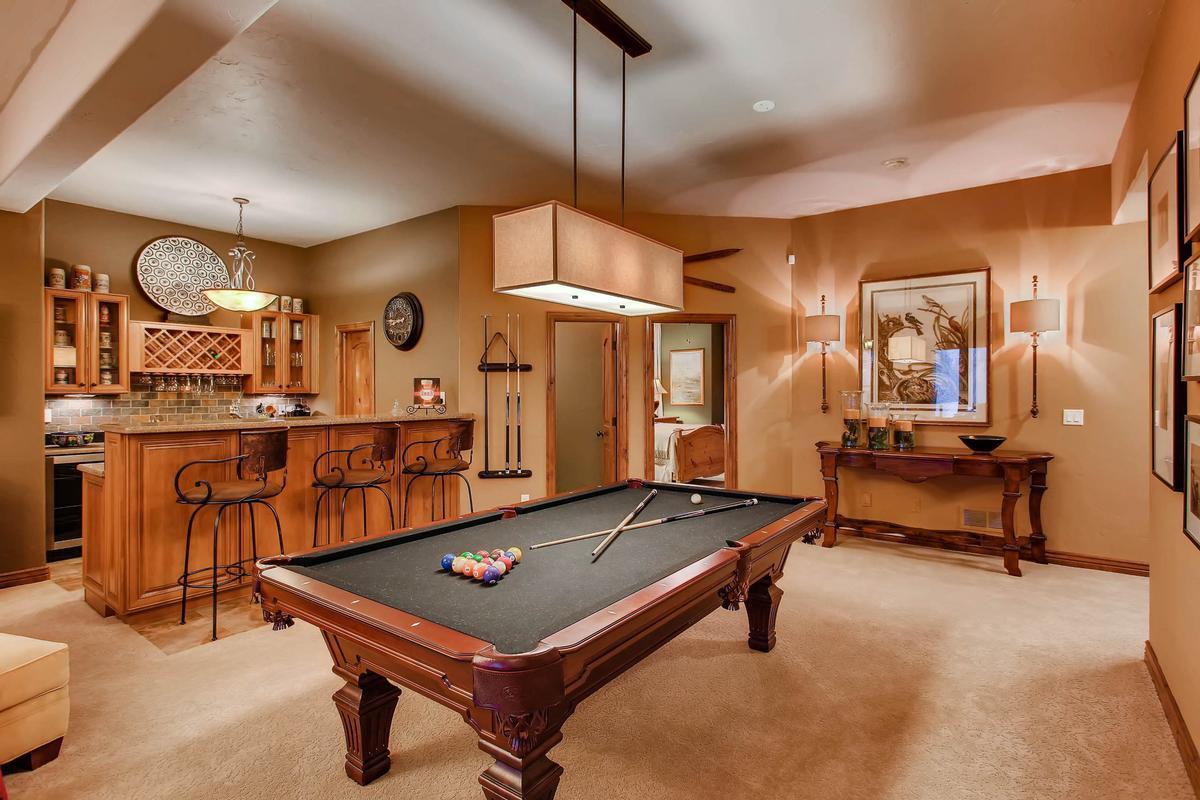 Executive Estate Captures Pikes Peak mansions